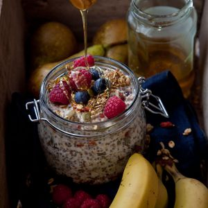 BREAKFAST-HAPPY-Out-the-door-overnight-oats_v2_0891.jpg